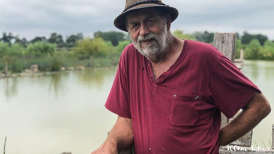 Bernard Producteur de riz bio grâce à son élevage de canards, à Saint-Gilles en Camargue