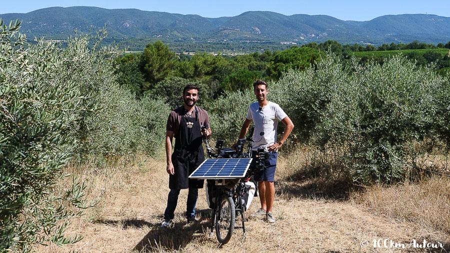 Léo Producteur d'huile d'olive bio, à Cadenet dans le sud du Luberon
